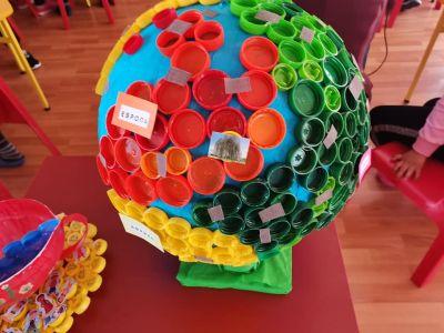 Участие в областен конкурс изложба В света на природата- Детска игроландия на тема Нашия дом, планетата Земя - Изображение 1