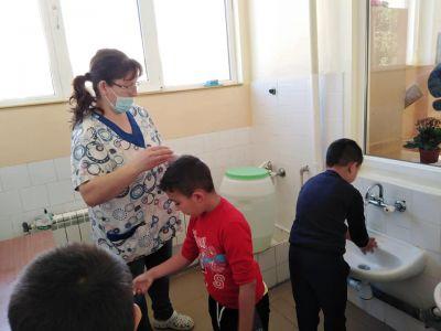 """Инициативата на УНИЦЕФ """"Урок по миене на ръце за всяко дете"""" - ДГ Пролет - Койнаре"""